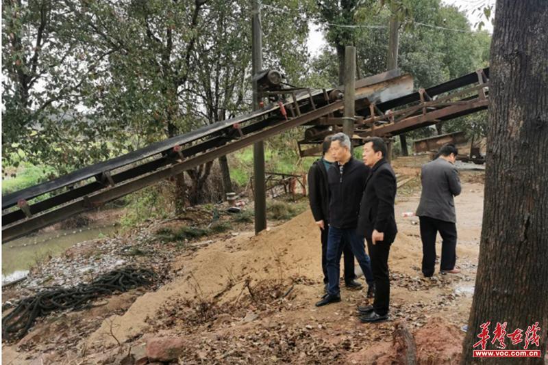 湘潭市水利局檢查涓水河采砂管理情況